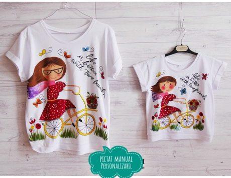 set tricouri mama fiica pictat cu bicicliste