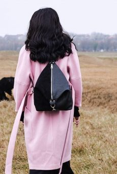 rucsac fashion din piele naturala neagra velur