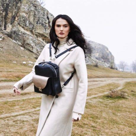rucsac geanta dama din piele naturala neagra aurie